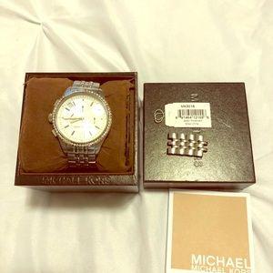 Mk watch